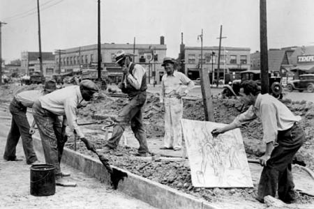 Michigan artist Alfred Castagne sketching WPA construction workers By an unknown photographer, May 19, 1939